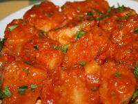 картофель с луком и помидорами, отварной картофель с тушеным луком и помидорами, отварной картофель с тушеным луком и помидорами фото