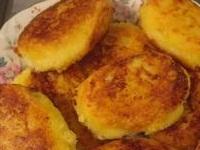 картофельные котлеты с крабами, картофельные котлеты с крабовыми палочками, картофель с крабовыми палочками фото