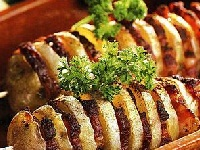 шашлык из картофеля, картофельный шашлык, шашлык с картофелем и слом, шашлык из картофеля фото